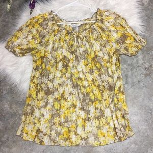 ❤️ Gorgeous yellow floral blouse comfy